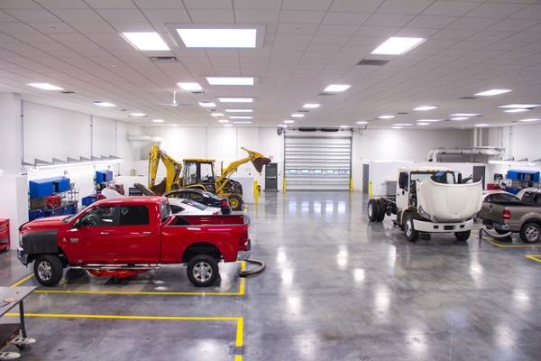 El Camino College >> Facilities | Automotive Technology | SIU